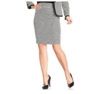 Vintage Kasper Houndstooth Wool Pencil Skirt